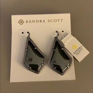 Brand New - never worn, Kendra Scott Earrings